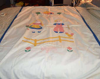 ON SALE Vintage Coverlet for a Child's Crib or Bed