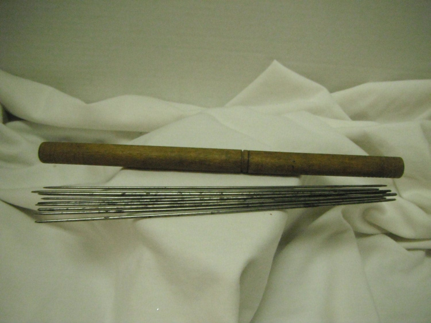 Vintage Knitting Needles : Antique knitting needles and wooden case by yonderyears on