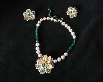 1950s Floral Necklace and Clip Earring Set