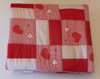 Baby girl quilt. Free shipping. Red and white quilt. Agift for Christmas. Gift for born baby. Gift for teenager girl.