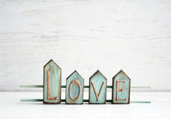 Love Sign Home Decor Wooden Sign Rustic Shabby Wooden Decor