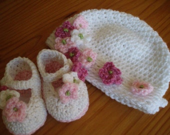 Crochet Pattern Baby Shoes and Hat