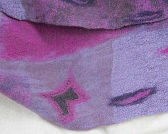 Filzschal, Nuno-Filzschal, 75% Wolle, 20 Prozent Seide, ca. 156 cm x 27 cm, lila-pink, gefilzt, Unikat