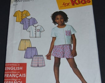 Simplicity 9009 Childs Top and Shorts Sewing Pattern - UNCUT - Sizes 2 -6X