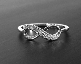Small 14k Gold Graduated Diamond Infinity Ring