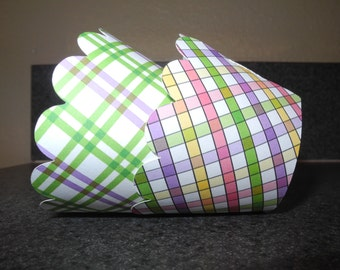 Spring Easter Cupcake Wrappers   Set of 12 Spring Plaid