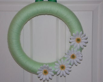 """12"""" Mint Green Yarn Wreath with White Daisies"""