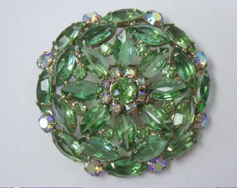 Vintage Juliana Style Green Rhinestone Brooch Pin