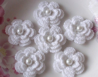 6 Crochet Flowers With Pearls In White YH-11-30