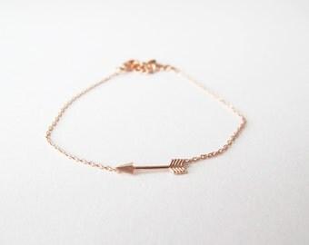 Tiny arrow bracelet - rose gold
