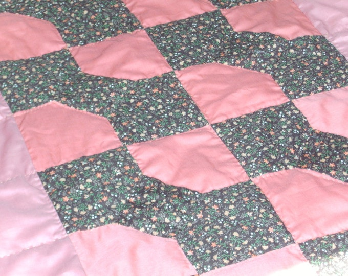 Girl Pink Bow-tie Quilt, Throw Quilt or Toddler Bedding Gift