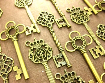 36 Large Skeleton Key Collection Antiqued Brass vintage style wholesale wedding decorations