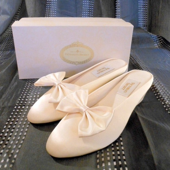 Vintage 1980s Wedding Shoes Slippers By Borntoshopvintage