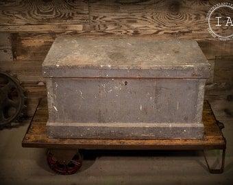 Vintage Industrial Hand Made Carpenter's Trunk Woodworker's Tool Chest Case Locker