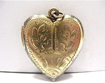 Antique Gold Filled Heart Locket Heavily Etched Pattern 20 x 25 mm  4.9 grams #37