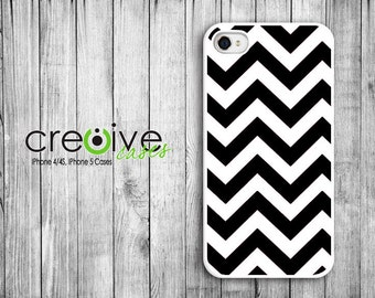 iphone 4/4s/5 case - Black & White CHEVRON iPhone Plastic or Rubber Case