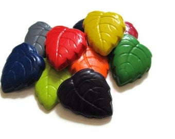 Leaf Crayons set of 40 - party favors - recycled crayons