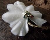Vintage 1960s dimestore pin, frog on leaf