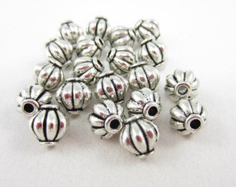 20pcs 8mm Round Indented Lined Silver Plated Beads (F447)