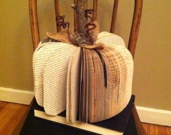 MEDIUM Book Pumpkin, Vintage Book Pumpkinq