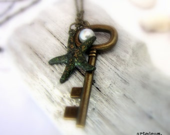 Starfish Necklace Key  Skeleton Key necklace Sea necklace Vintage Inspired  Antique Key Gift for her