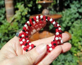 Handmade-glass beads-Red, white & black-handbeaded-memory wire-bracelet-heart charms-adjustable-Free shipping