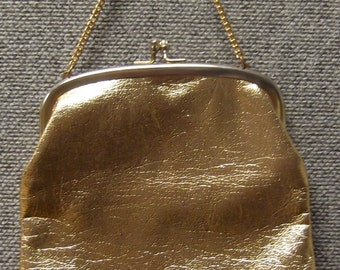 14.99 - Vintage Gold Clasp Tall Purse with Chain Handle