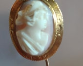 Lovely Victorian Gold Cameo Stick Pin