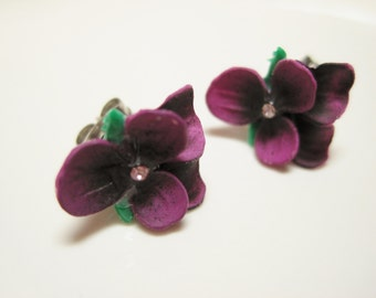 Deep Purple Radiant Orchid Violet Flower Earring Surgical Steel Posts Flower Post Earrings Stud Earrings Bridal Wedding Shabby Chic Jewelry