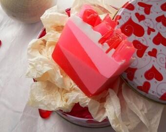 Rose glycerin soap/ glycerin soap/ homemade soap/ rose soap/ floral soap/ feminine soap/ vegan soap/dry skin soap