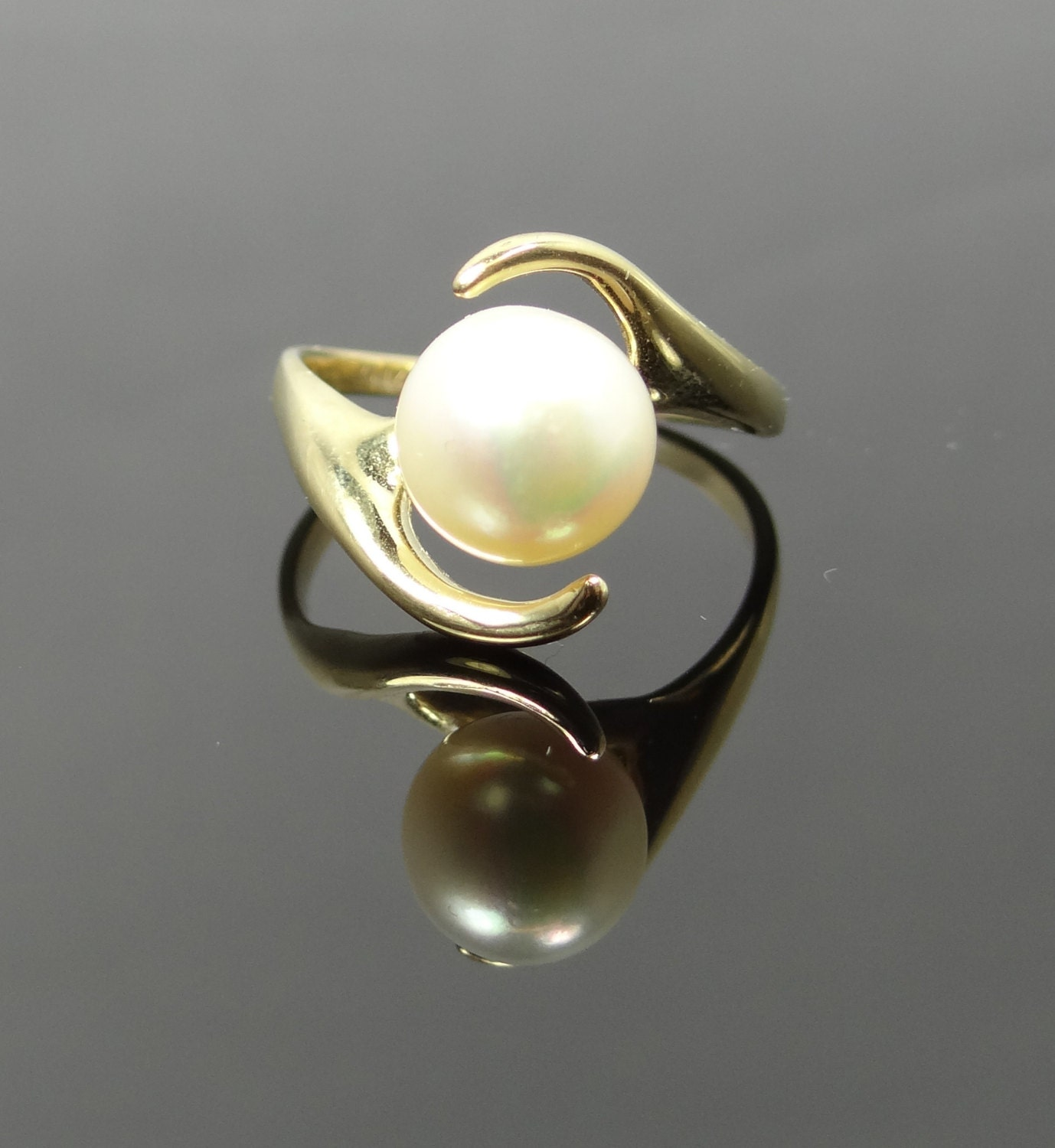 unique modern floating bypass design pearl ring by msjewelers