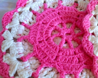 Pink 60s swedish vintage mid century modern pot holders. Crochet. Nice colours,