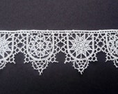 "Tudor Style Schole-House Lace for Renaissance/Elizabethan Reenactment, 1 3/4"" (45mm) - sold by the half yard"