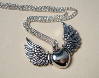 Winged heart necklace silver charm vintage retro kitsch style