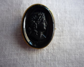 Antique Victorian Onyx Mourning Cameo Brooch Pin