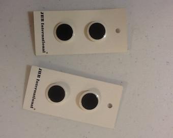 """Circles White & Black Buttons 3/4"""" B30 - B31"""