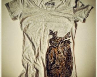 CHRISTMAS SALE Owl Vintage T-shirt-Women's Enter code ACORN at checkout for 10% off