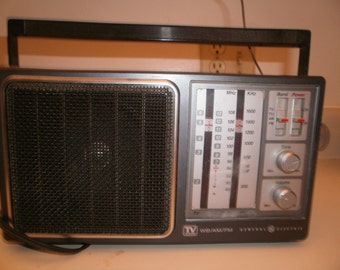 1980''s General Electric 4-Band Weather Radio Model 7-2945A GE