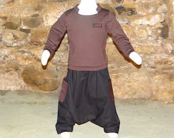 Set small guy. Pullover or sweatshirt open collar and sarouel poaches, customizable size.