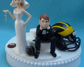 ohio state michigan wedding cake toppers wedding cake topper of michigan wolverines um 17977