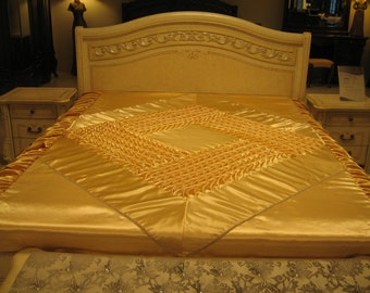 """Queen Bedspread - smocked - handmade - beige - Coverlet - Quilt - 230 cm x 240 cm (90"""" x 94"""")"""