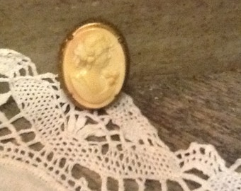 Goldfilled Cameo Pendant