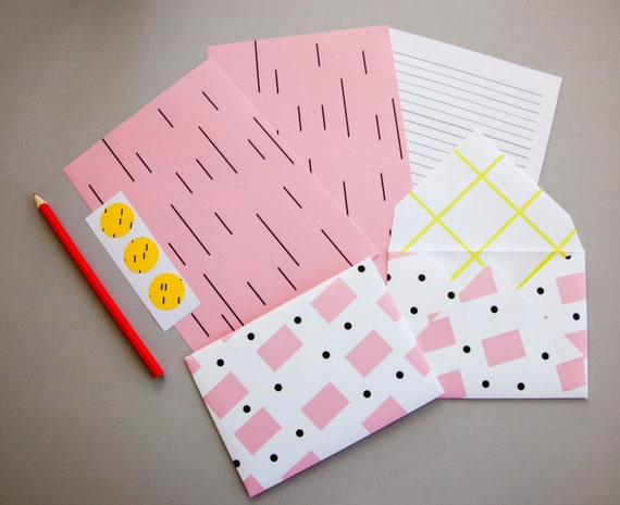 Colorful Letter Set Stationery: Pastel Pink