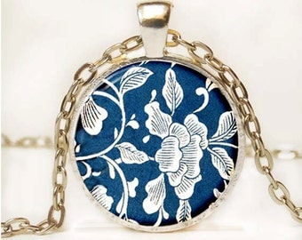 Blue and White Asian Porcelain Pendant Art Pendant Necklace Altered Art Photo Pendant Picture Pendant 6