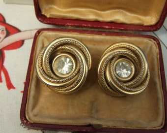 Vintage large gold coloured circle clip on earrings          37