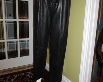 Vintage Lovely Fitting Womans Black Lambskin Leather Pants , Canadian Designer , Size 8 CAN.
