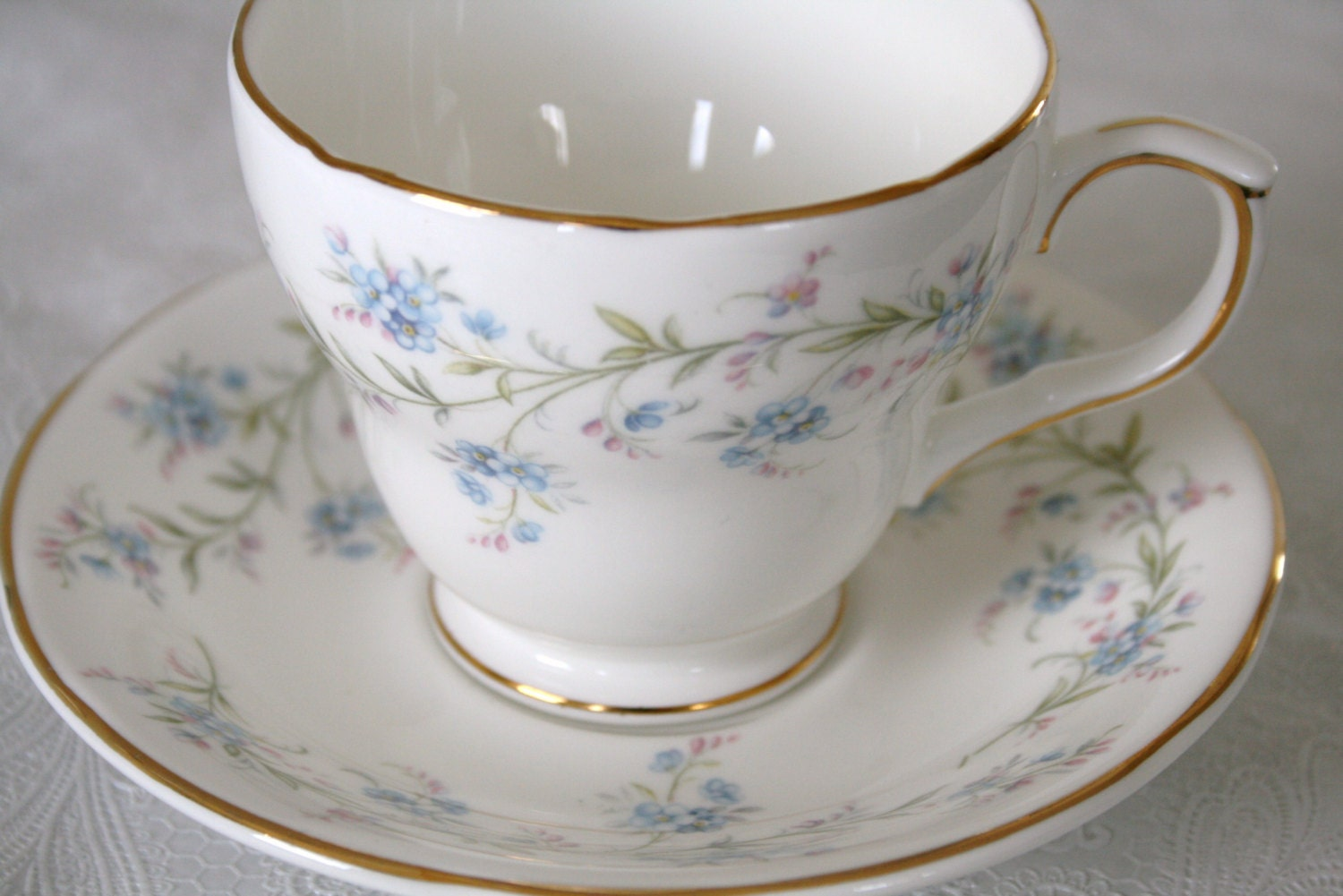 bone china made in england duchess tranquility elegant. Black Bedroom Furniture Sets. Home Design Ideas