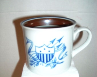 Sale.....................VINTAGE Salem China EAGLE cup, old stock, Good Condition
