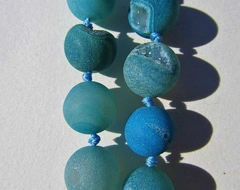 "Beads: 15"" gemstone strand - dyed, natural druzy quartz - 14mm round - blue"