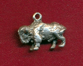Lot of 20 lead free pewter buffalo bison charms SKU 1054